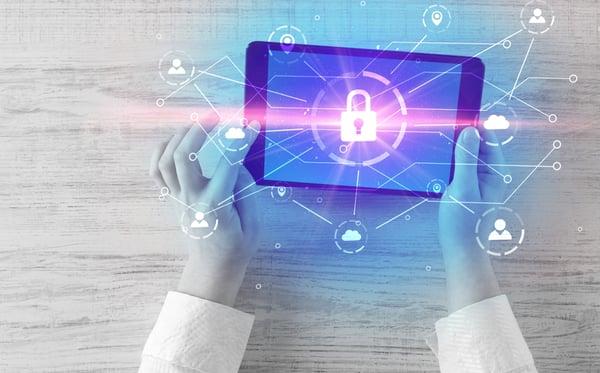 la implantación de sistemas de ciberseguridad en el sector sanitario es crucial